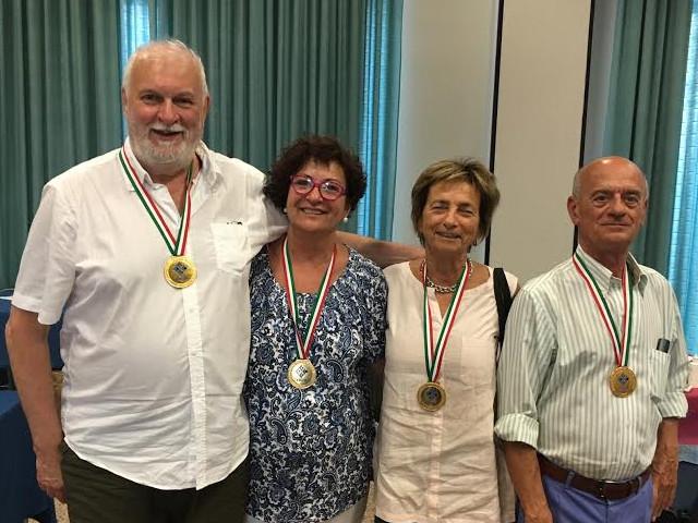 La squadra FORNACIARI oro a squadre miste over 60